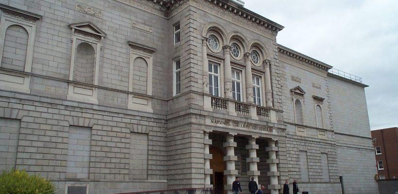 Clases semanales de inglés y actividades de ocio y deporte en Dublín